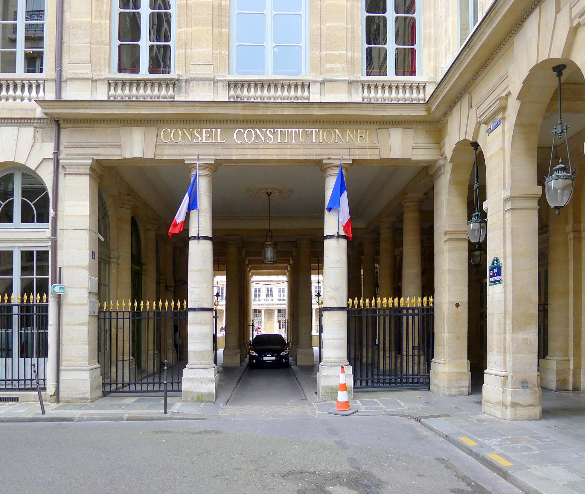 p1050187_paris_ier_rue_de_montpensier_conseil_constitutionnel_rwk.jpg
